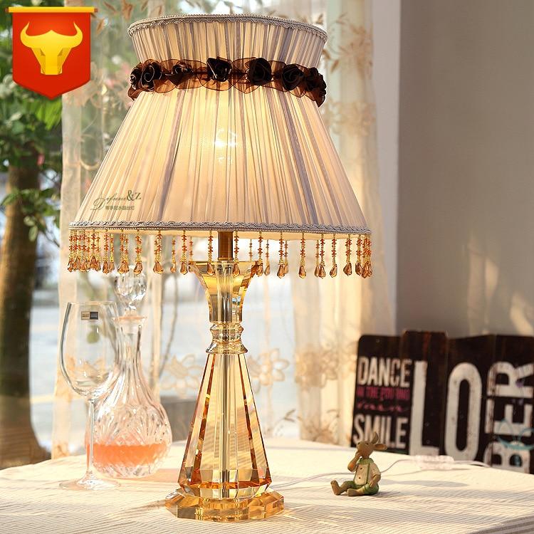 Туда Бесплатная доставка Классическая Стиль Настольная лампа желтый кристалл настольная лампа творческие кисточкой Ткань Настольная ламп...