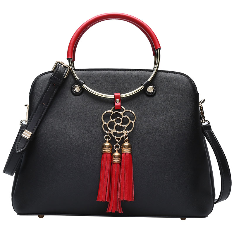 New Genuine Leather women bag Fashion Fresh and delicate Fringe handbags Shell-shaped design Shoulder Women's Messenger Bag retro women s satchel with engraving and fringe design