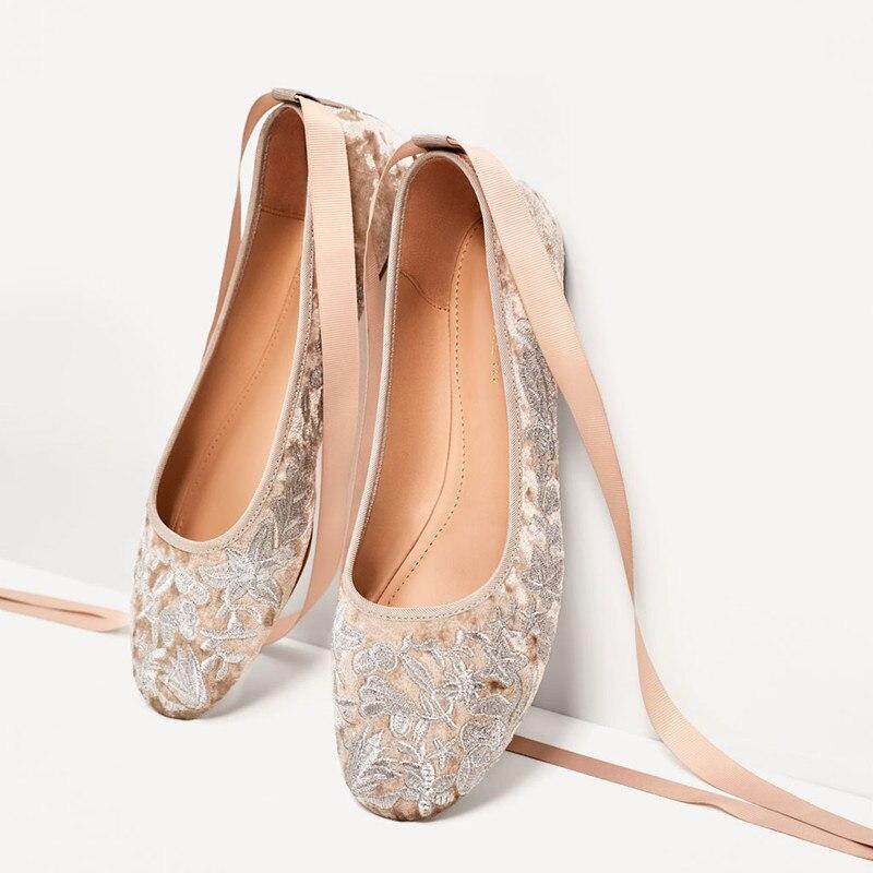 Prova perfetto 새 플랫 숙 녀 신발 embroider 발레 댄스 신발 실크 리본 플랫 신발 여자 고품질 웨딩 신발-에서여성용 플랫부터 신발 의  그룹 2