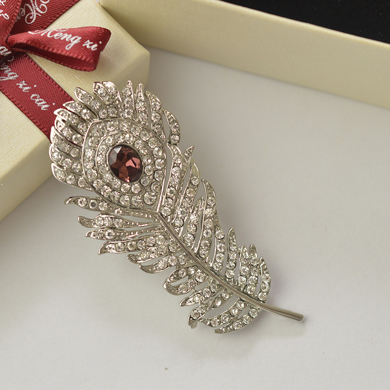 MZC Vintage Silver Peacock Feather Brooch Pins Rhinestone Crystal Animals Ерлерге арналған Үйлену Broach Арзан Аксессуарлар X0980