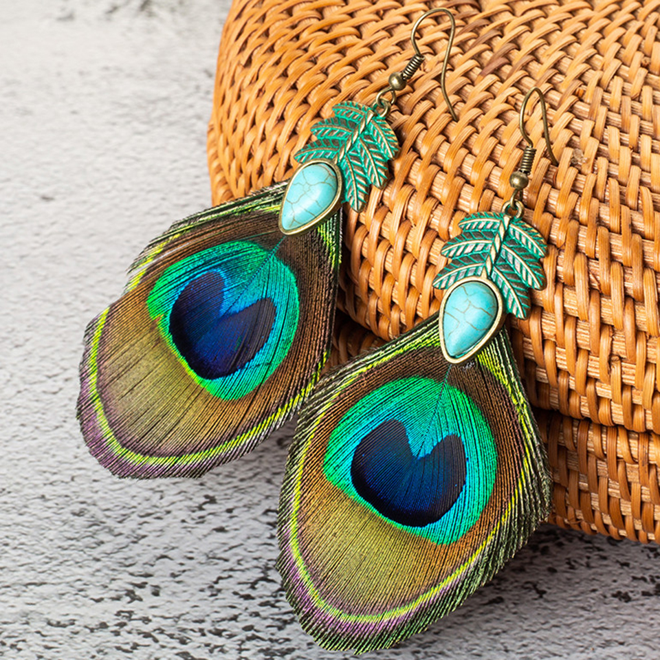 New Hot Ethnic Simple Retro Leaves Green Leaf Earrings Nature Stone Long Tassel Peacock Feather Earrings For Women Brincos 2019