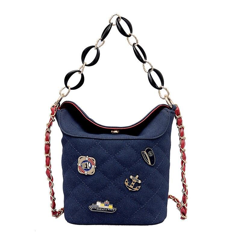 Women\'S Leather Bucket Bag Women\'S Personality Badge Rivet Shoulder Bag Luxury Designer Models Frosted Handbags