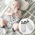 Осень новый хлопок носки для мальчиков и девочек мультфильм маленький енот удобные нескользящей носки детские носки 0-4 т