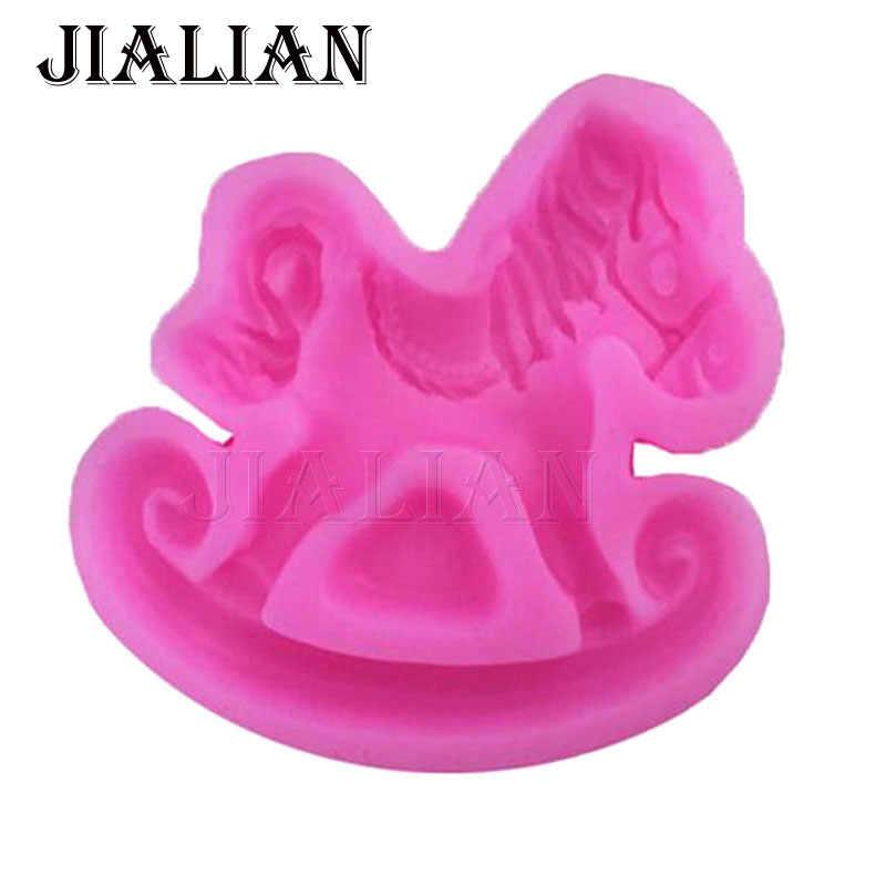 Детские троянским конем принт на игрушечная лошадь Форма Fondant (сахарная) шоколад для выпечки силиконовые формы для торта украшения инструменты Искусно сделанные формы T0731