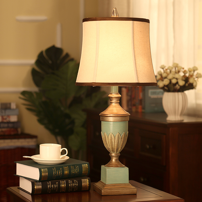 European Antique Bedroom Table Lamps Vintage Table Lamps for Bedroom Resin Light Desk Light Fabric Bedroom Lamparas De Mesa america water pipe table lamp in loft industrial style led table lamps for bedroom living room abajur lamparas de mesa