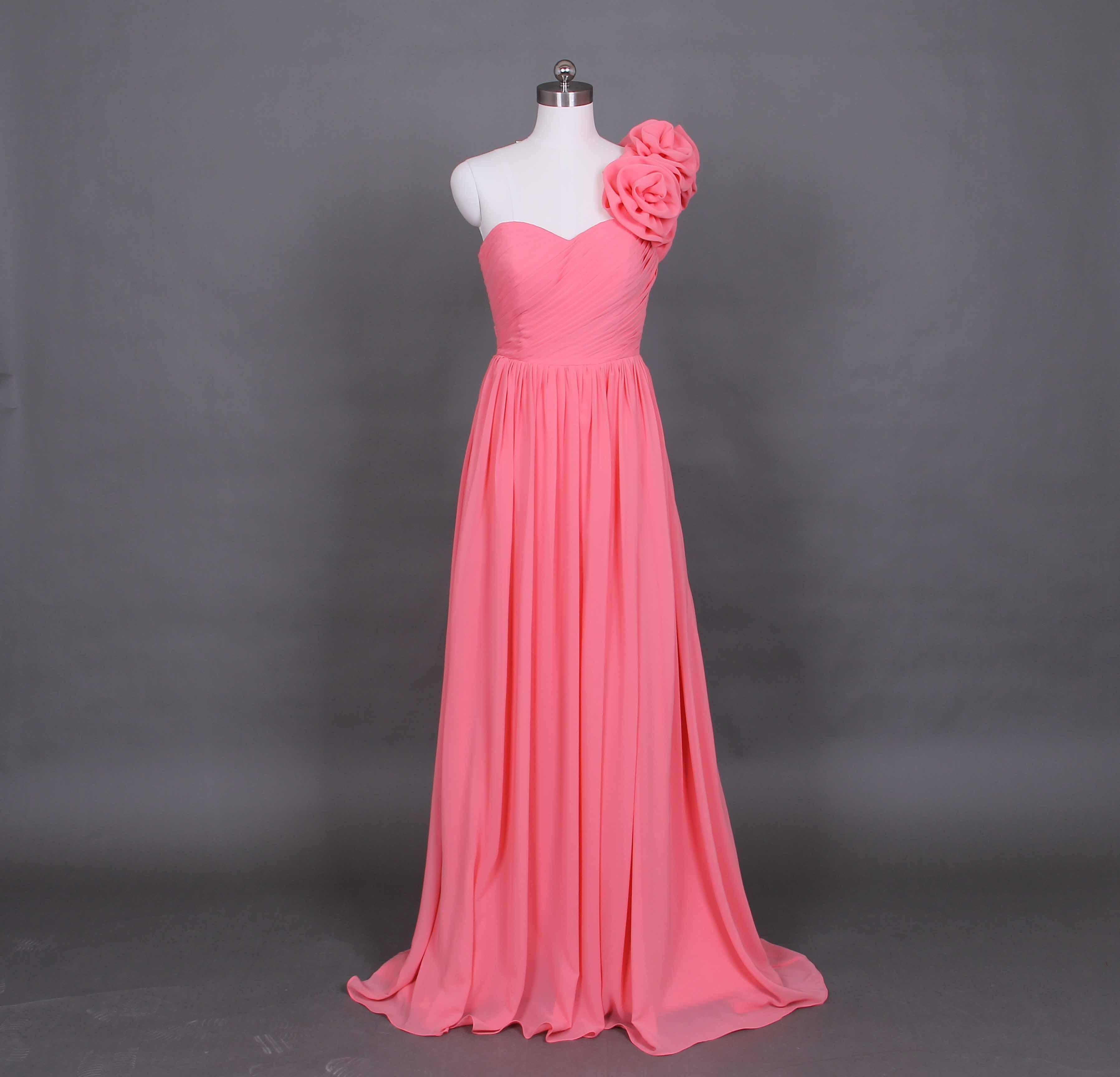 Une bandoulière plage robe de mariée brosse train robes de mariée, corail en mousseline de soie robe de mariée taille personnalisée D56