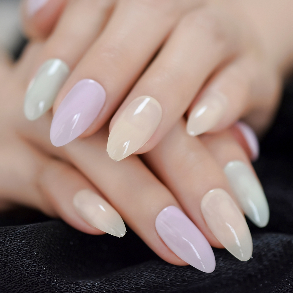 medium pointed almond full nails