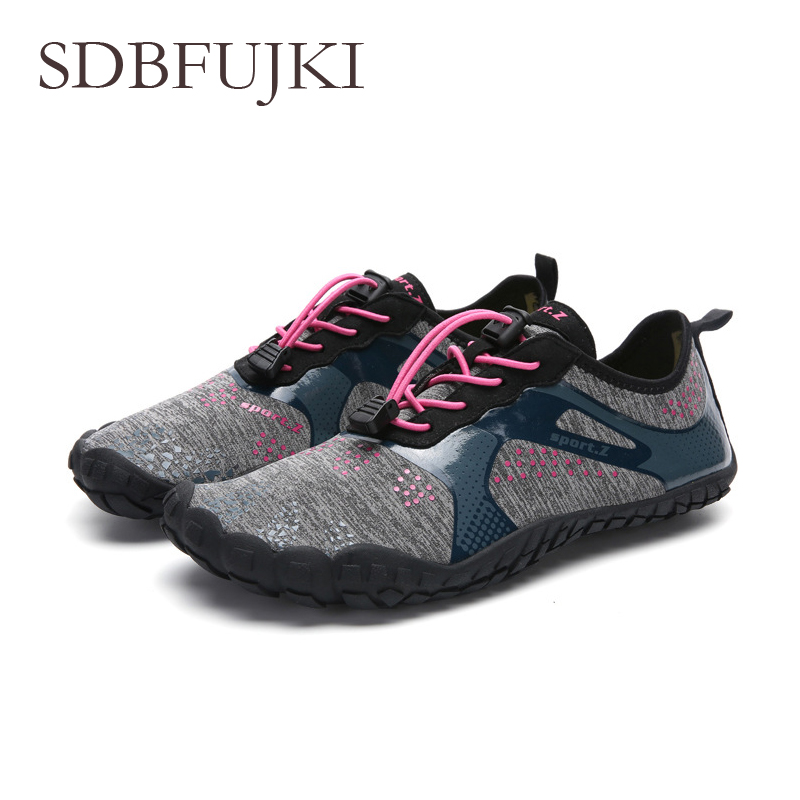 2019 Swimming Water Aqua Shoes Men Women Beach Shoes Unisex Aqua Flat Soft Walking Lover yoga Shoes Non slip Sneakers Sandals in Beach Outdoor Sandals from Sports Entertainment