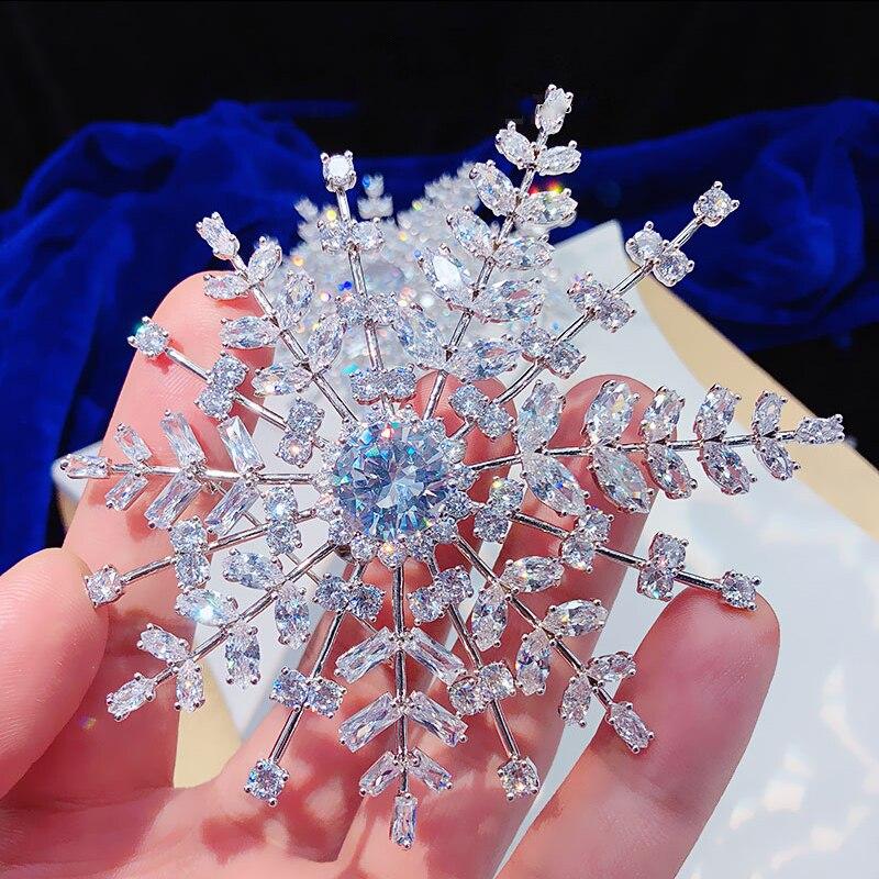 ASNORA Moda exquisita circon perla broche Pins Para trajes vestido Banquete de alta calidad nieve boda
