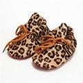 Real de Cuero Primeros Caminante cordones Impresión Suede Leopard imprimir zapatos de Bebé mocasines Zapatos de los Bebés