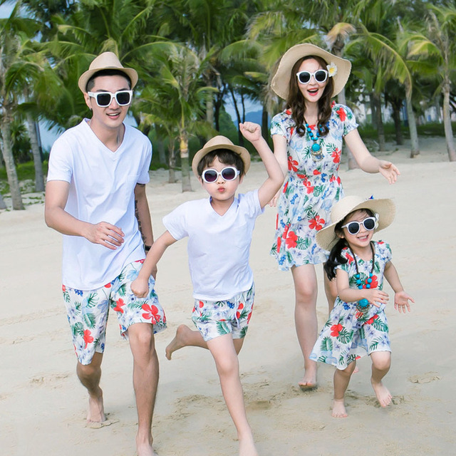 Family Matching Outfits Father Mother Daughter Son Holiday Bohemia Flowers Beach Dresses Family ...