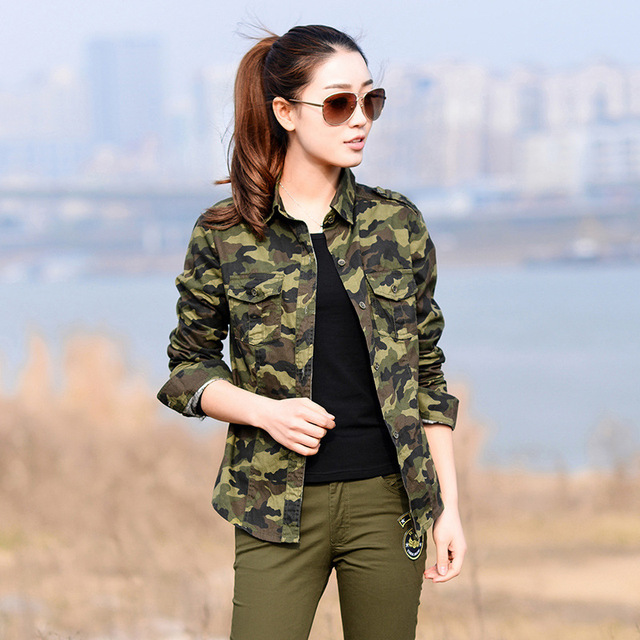 Calidad militar! 2017 nuevas mujeres de la moda más tamaño camisas de  camuflaje d9df259260ea