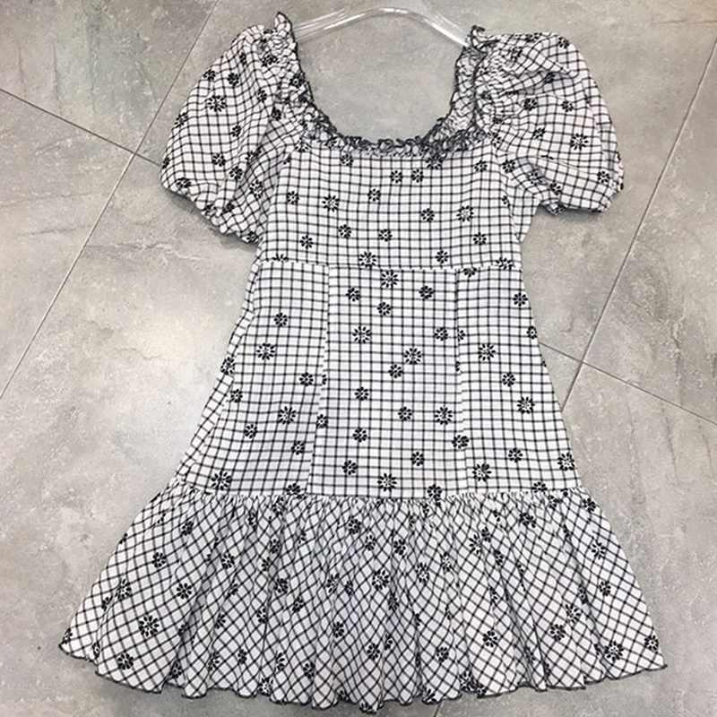 TWOTWINSTYLE летнее клетчатое женское платье с принтом, v-образный вырез, пышные рукава, высокая талия, шнуровка, тонкие Мини платья, женская модная одежда 2019