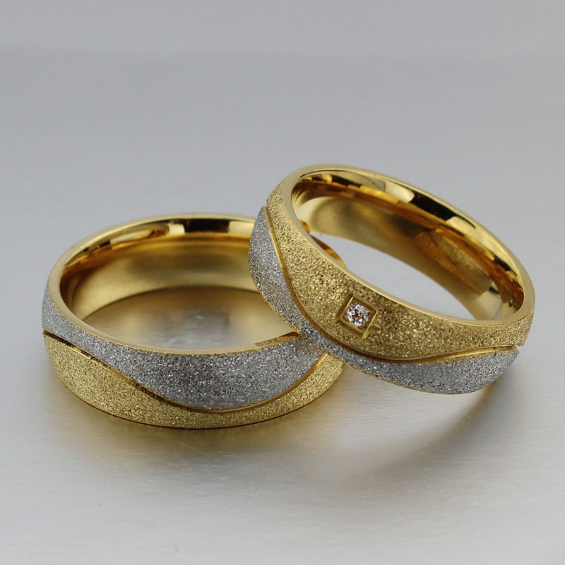 re mend Top Quality Matte couple gold rings for women and men