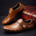 Genuínos barco sapatos de couro mocassins masculinos 2016 sapatos de Fivela Correia de Borracha Dedo Do Pé Redondo apartamentos sapatos homem Preto/Brown 38-44