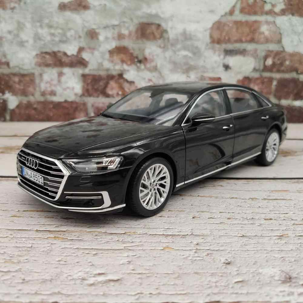 1:18 Diecast Model for Audi A8L W12 2017 Black Sedan Alloy Toy Car Miniature Collection Gifts A8 S8