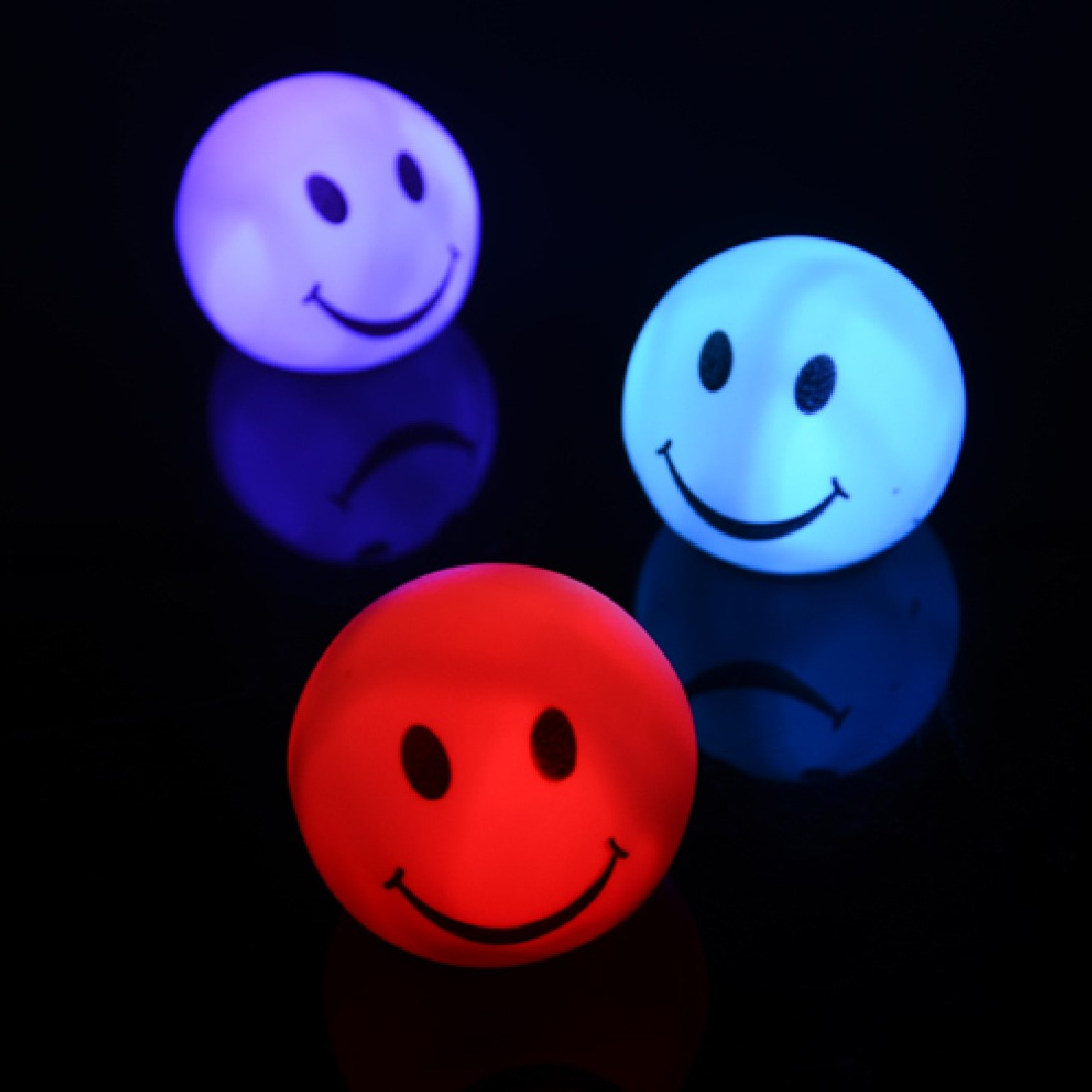Colorful Changing LED Smiling Face Shaped Night Light Lamp For Party Bedroom Decor Wedding Christmas Gifts
