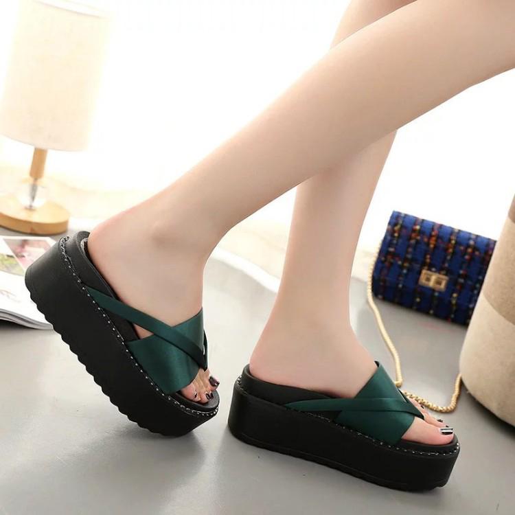 green-high-heel-slipper_15