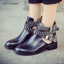 Женские ботинки на низком каблуке черные ручной работы с заклепками