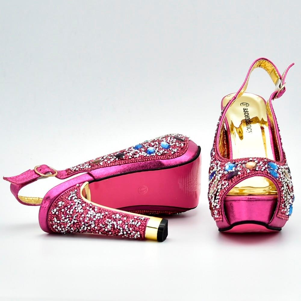 Et Rose De Avec Des À Correspondre Femmes Ensemble Colorées Pierres Chaussures Design Nombreuses Partie Sac Nouveau Mode Italien 2 Sb8200 Pour Chaussure Fushia CEwYqdd