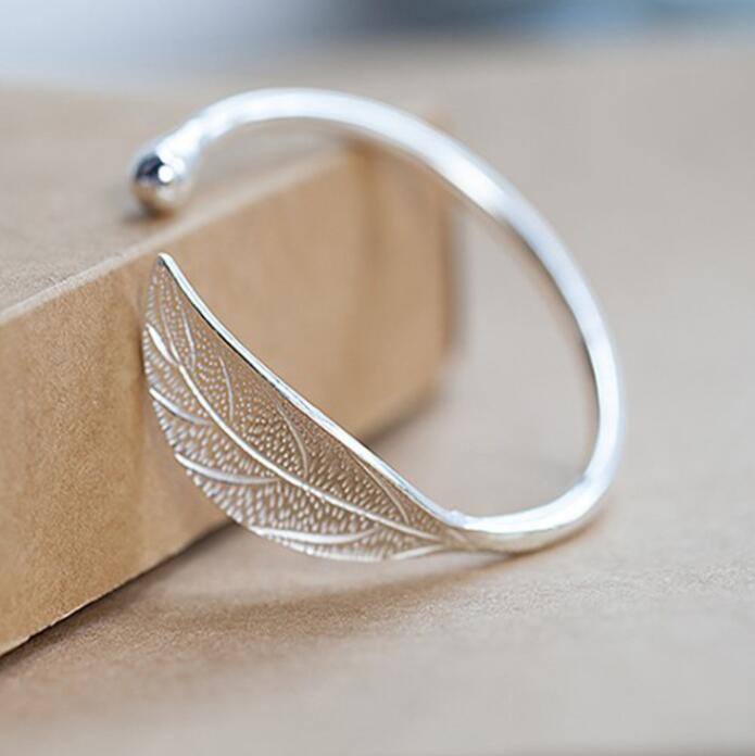 SMJEL Fashion Trendy Open Leaf Cuff Bracelet Bangles for Women Simple Plant Bracelet Femme Boho Jewelry Birthday Gift SYSZ014