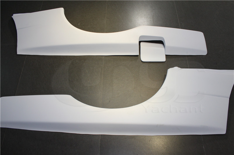FRP Fiber Glass White Gel Coat Rear Fender Bodykits Fit For Skyline R34 GTT GTR-Conversion Rear Over Fender Flares with Fuel Cap