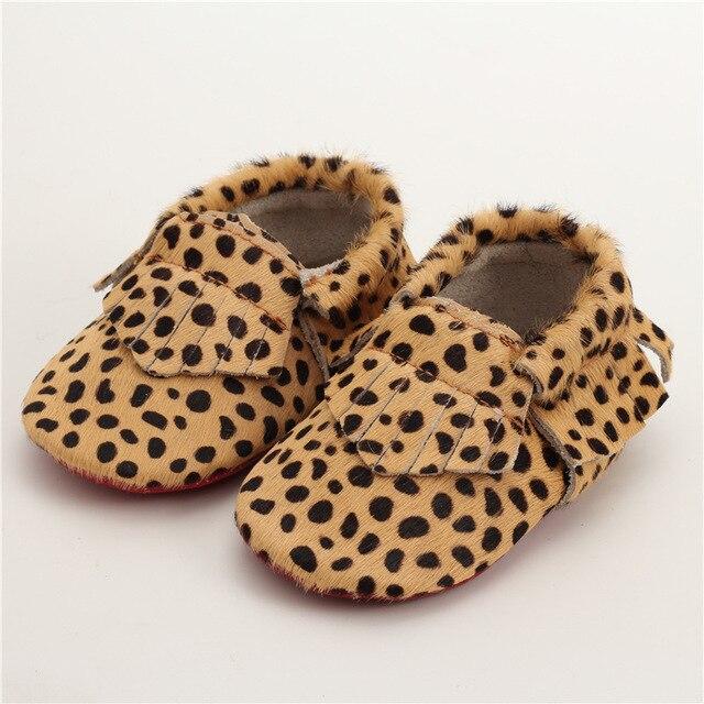 Натуральная Кожа Впервые Ходунки Леопардовым принтом Детская обувь Конский волос Кожаные Детские мокасины пятна мальчиков Обувь Бесплатная доставка