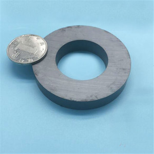 Image 1 - Zion  3pcs dia70x10 mm hole32mm ferrite ring magnet Y30 round ferrite magnet 70*10 32mm extreme working temperature 250 Celsius