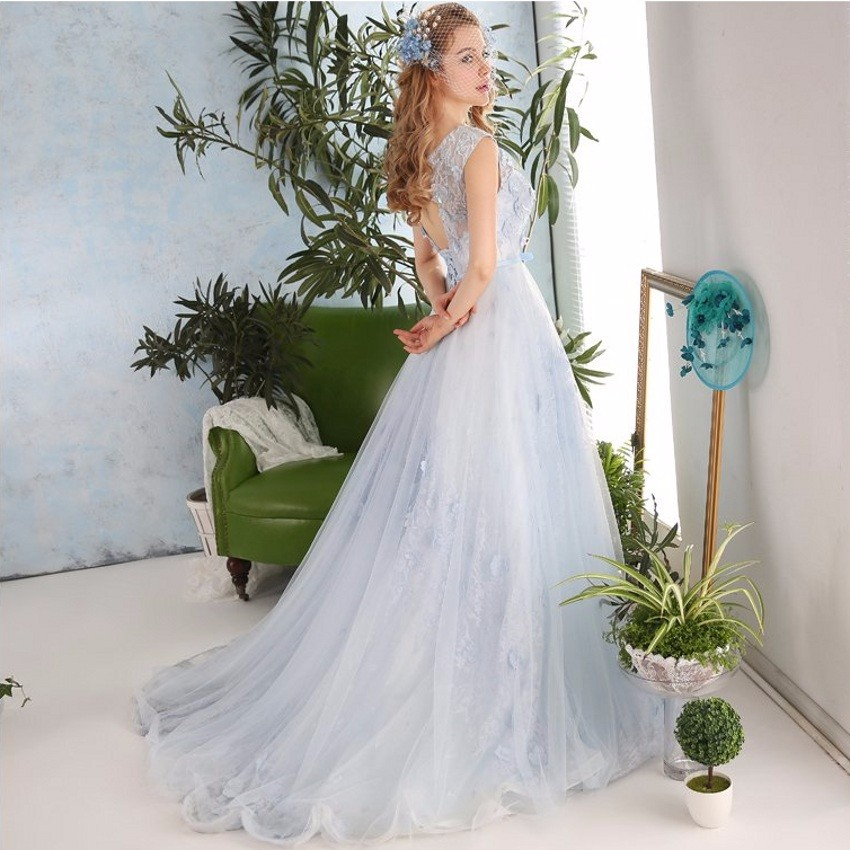 Elegant Seductive Sleeveless Lace Applique Beading Tulle Long Prom Dresses  2017 Corset Women Evening Dress Formal Party Gowns-in Prom Dresses from  Weddings ... 898fbd20279a