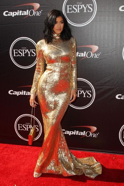 Kylie Jenner de Casarse 2017 de Cuello Alto Manga Larga de Lentejuelas de Oro cordón de La Sirena Larga Vestido de Fiesta Sexy Red Carpet Celebrity Dress vestido
