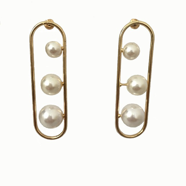 Trendy Gold Plating Clip With Three Diffe Size Pearl Stud Earring