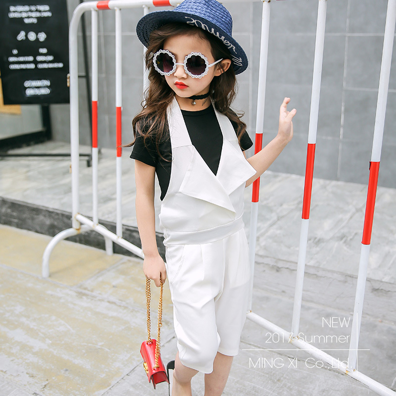 2018 children's clothing summer new suit girls two-piece strap pants with short-sleeved white cotton breathable T-shirt 2sets