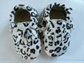 Leopard grain color Genuine Leather Baby Moccasins handmade Baby Shoes First Walker Bebe newborn soft shoes free shipping