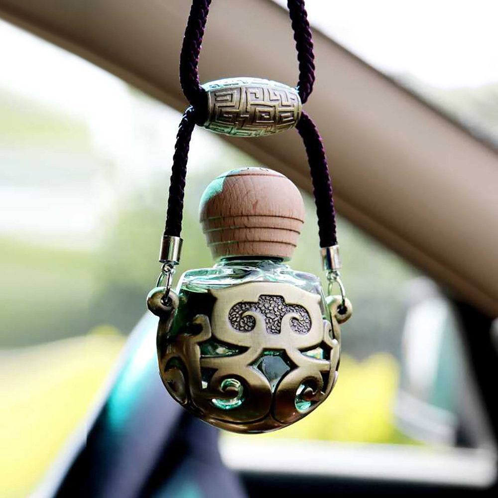 Car Pendant Air Freshener Perfume Essential Oil Diffuser Vintage Automotive Interior Rear View Mirror Hanging Decor