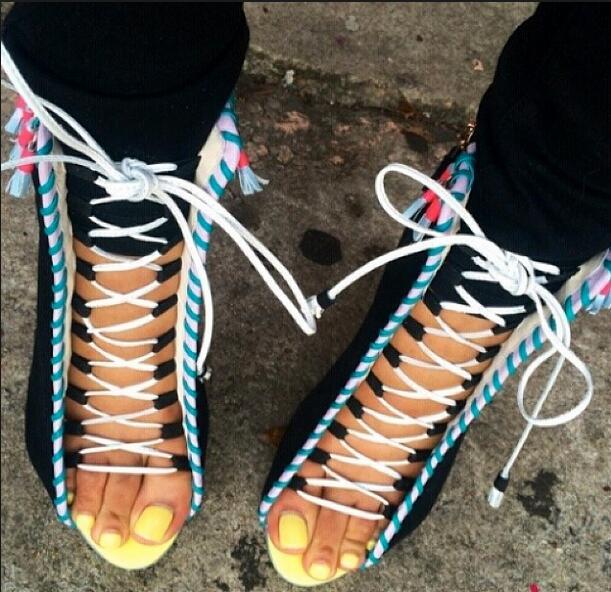 Accrocheur à lacets frange femmes bottines poisson bouche haut talon bottes courtes évider dot talon femmes chaussures femme livraison gratuite
