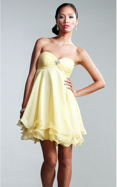 976a18ce5c0 High Waist Fit For Small Bust Size Curling Hem Daffodil Short Chiffon Dress  Strapless Sweetheart Neckline
