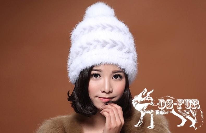 Real mink fur hat double arrow horizontal stripes 01