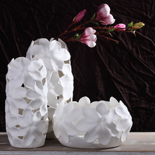 The Nordic modern Magg ceramic vase Home Furnishing table desktop fashion jewelry ornaments lily flower shape