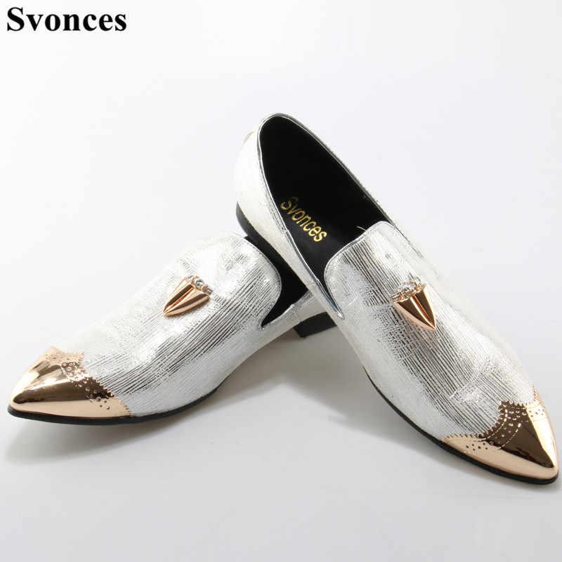 90f7f3676 Svonces Мужская обувь повседневные мужские туфли для подиума Серебряный  Туфли под платье острый носок Лоферы для