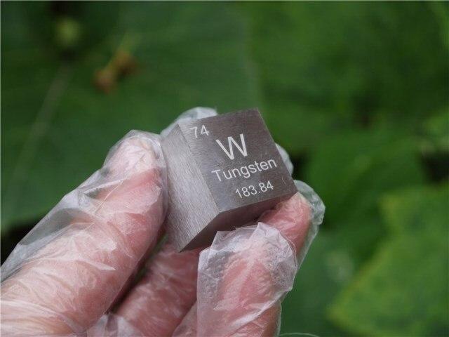 Wolfram metall in die periodischen tisch Cube Seite länge ist ein zoll (25,4mm) und gewicht ist über 318,25g 99.95%-in Magnetische Materialien aus Heimwerkerbedarf bei AliExpress - 11.11_Doppel-11Tag der Singles 1
