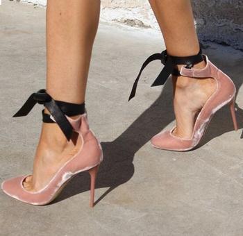 розовые туфли | Новинка; дизайнерские атласные туфли-лодочки с острым носком и ремешком на щиколотке; цвет розовый, черный; женские вечерние модельные туфл...