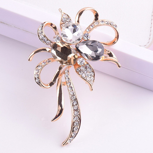 Crystals flower brooches for women pins gold