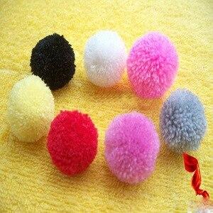 Image 5 - 1 Набор эфирных помпонов для создания пушистых шариков, ткацкая игла, инструмент для рукоделия, набор для рукоделия, случайный цвет