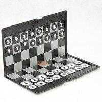 Haute Qualité Classique En Plastique Boutons Échecs Magnétique Pliable Échiquier Voyage PVC Mini Mince Échecs Échecs Magnétique Portable