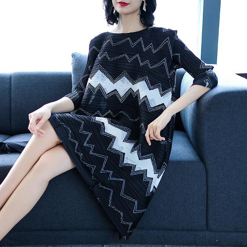 Robe Lâche Robes De High Taille Mode Noir Imprimé Printemps Nouveau Miyak Géométrique 2019 Grande Marée Design Street Femme Changpleat Plissée O6YTvBT