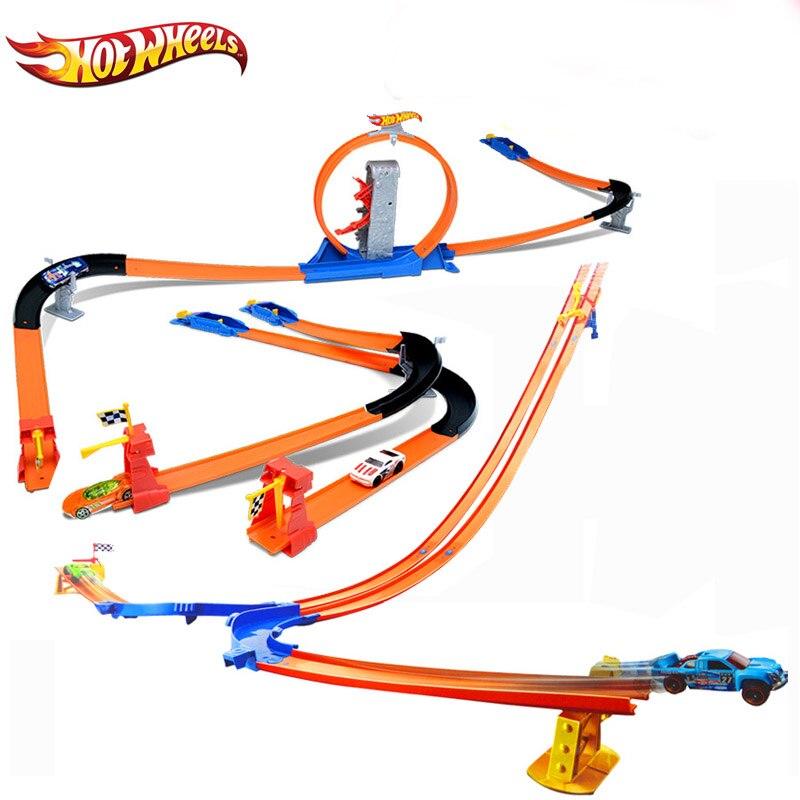 Hotwheels Carros ECL-3-in-1 Piste Asst Modèle Voitures Train Enfants En Plastique Métal Jouet voitures oyuncak araba Chaude Jouets Pour Enfants BGJ08