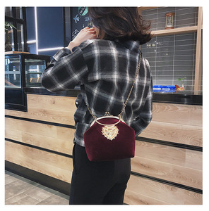 Image 3 - Kadın kadife inci çanta Vintage kadife kalp tasarım akşam çanta düğün gelin debriyaj kadife çanta çanta