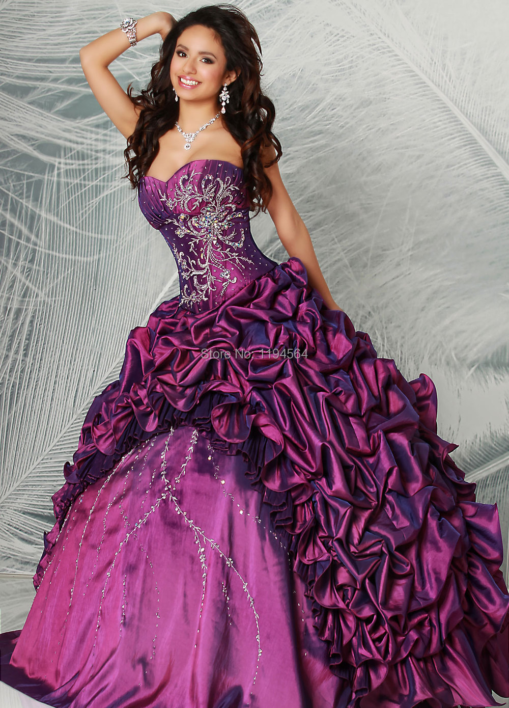 Año nuevo Vestido púrpura Quinceanera vestidos para 15 años bordado ...