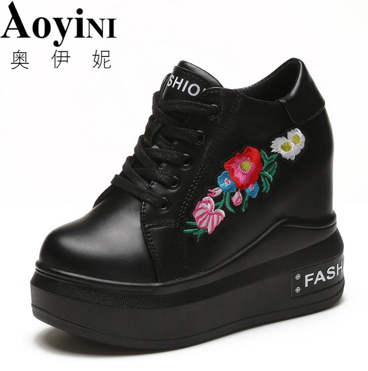 2018 Hot Sale 10cm New Wedge Shoes Hidden Heels Womens Elevator Casual For Women Embroidered Black White Red Shoes