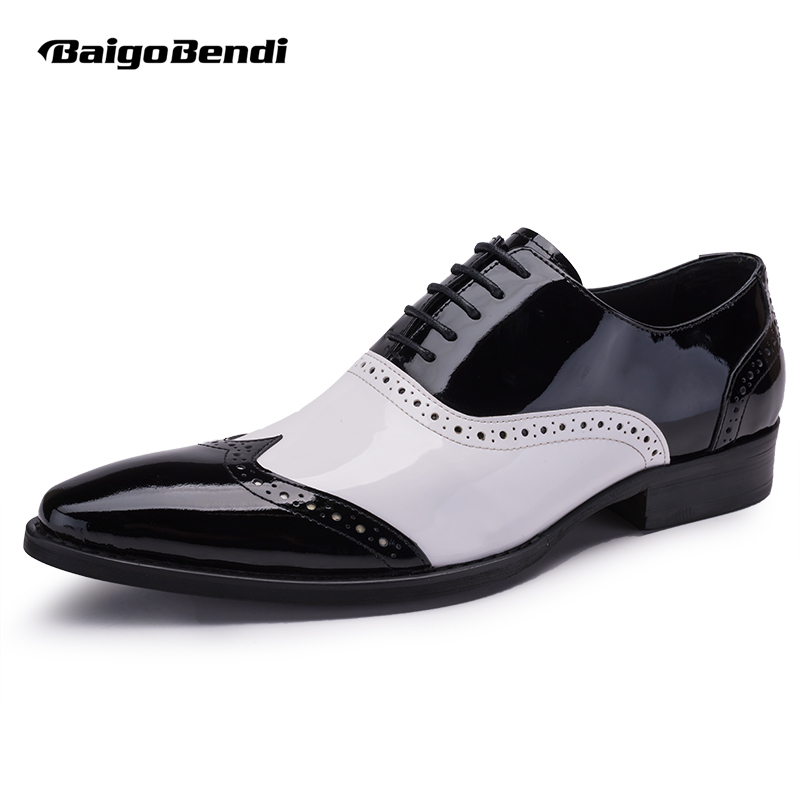 US 6-10 Men Retro Patent Leather Black and White Brogue Shoes Fretwork Pointed Toe Oxfords Man Formal Dress Shoes stylish men s formal shoes with patent leather and embossing design